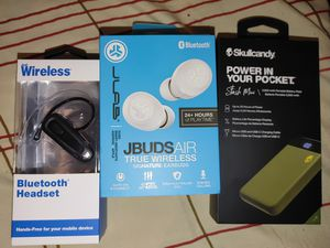 Bluetooth headphones + power pack for Sale in Tacoma, WA