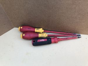 Wiha insulted screwdriver set 1000v for Sale in Portland, OR