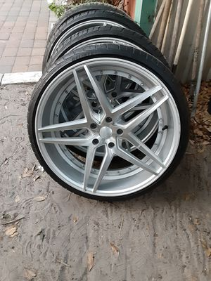 22 inch Rosso rims and tires for Sale in DeLand, FL