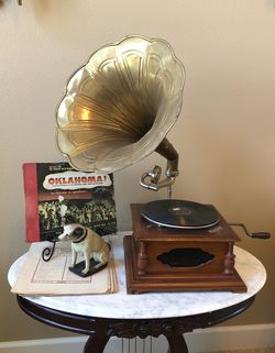 Reproduction vintage record player with dog for Sale in Fresno,  CA