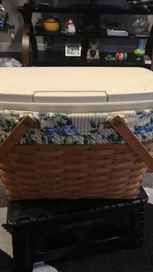 Longaberger magazine and sewing basket for Sale in Pickerington, OH