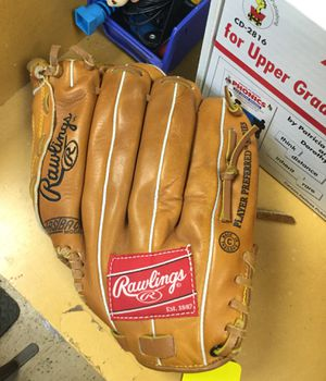 Rawlings Baseball Glove for Sale in Marlboro Township, NJ