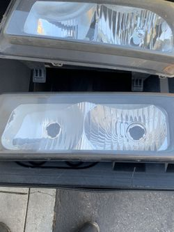 2006 Avalanche Headlights for Sale in Discovery Bay,  CA