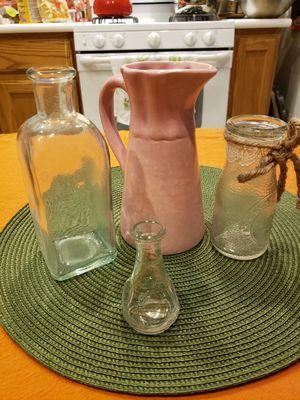 Set of odd flower vases for Sale in Las Vegas, NV