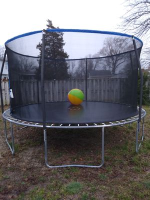 15ft trampoline with safety net. Like new for Sale in Lake Shore, MD