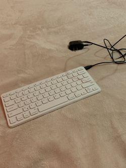 Wireless/ Bluetooth Keyboard for Sale in Tualatin,  OR