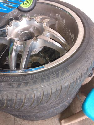 20 inch rims n good tires for Sale in Houston, TX