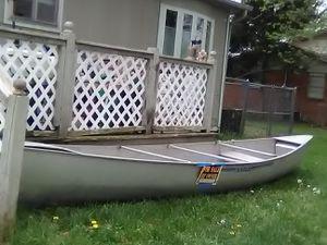 Grumman 17ft canoe for Sale in Rogers, AR