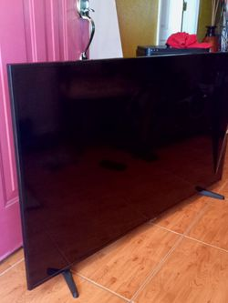 Samsung 55 Inch Smart TV With Analog Antena Included for Sale in Kissimmee,  FL