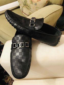 Louis Vuitton- Hockenhein Moccasin (Black) for Sale in Brentwood,  TN