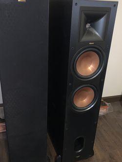 2 Klipsch Floor Speakers for Sale in North Bend,  WA