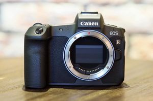 Canon EOS R ( Body with EF Adapter | US Version ) for Sale in Columbia, MD