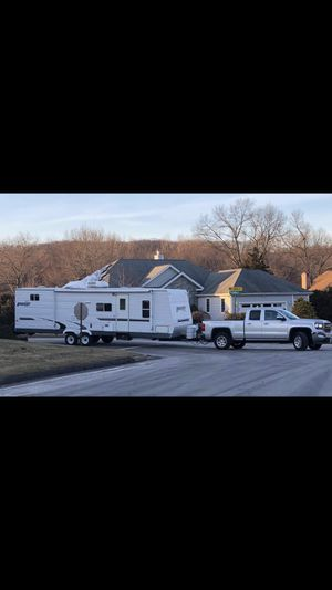 2005 Hornet Sport by Keystone RV Camper for Sale in Newington, CT