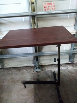 Small Rolling Side Table for Sale in Cooper City, FL