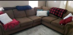 Brown sectional in good condition. Smoke free home. I have original pillows that will come with the couch for Sale in Daphne, AL