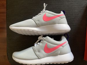 Nike Women's Running Shoes - 5.5 - Platinum/Laser Pink for Sale in Long Beach, CA