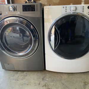 Electric Washer/Dryer for Sale in Moorestown, NJ