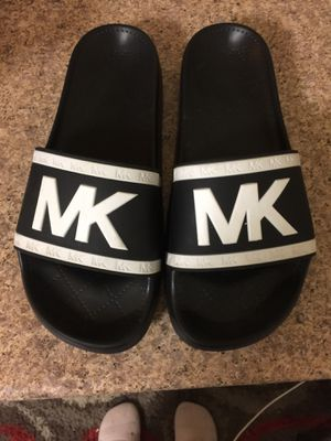 Michael Kors black and white sandals for Sale in Westland, MI