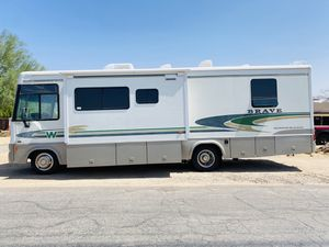 I am selling my 2003 Winnebago brave 29 foot class A motorhome with one large slide out everything works great only 80,000 original miles no problems for Sale in Surprise, AZ
