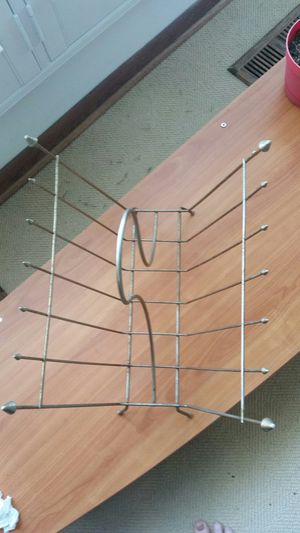 Metal Magazine Rack for Sale in Hinsdale, IL