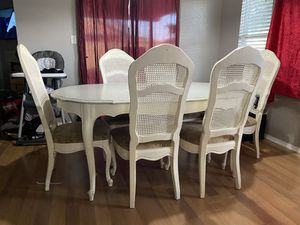 Kitchen table for Sale in Delano, CA