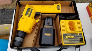 Dwelt model DW945 12 V drill With 2 new batteries for Sale in Hagerstown, MD