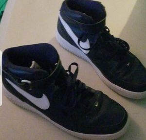 Men's Nike Air shoes size 11 like new for Sale in Murfreesboro, TN