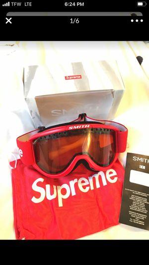 Supreme smith goggles for Sale in Cambridge, MA