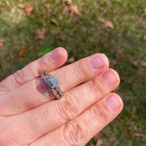 size 7 Pompeii Vintage Diamond Wedding Set Was Oringinall $1500 Set for Sale in Lexington, SC