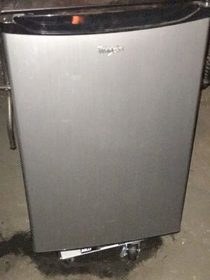 Whirlpool 4.3 cubic foot refrigerator very good condition for Sale in Binghamton, NY