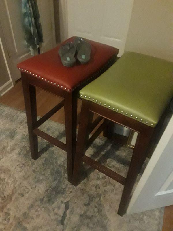 2 nice bar stools