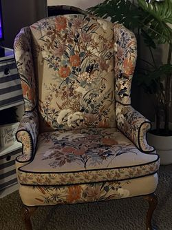 """Floral Wing Back Chair """"meyer & frank for Sale in King City,  OR"""