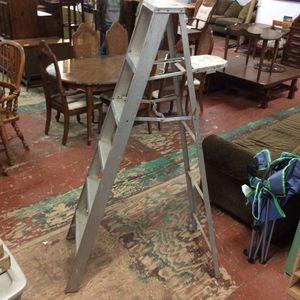 6ft aluminum Ladder for Sale in Bellingham, MA