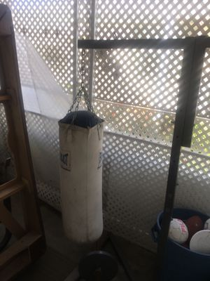 Heavy bag & speed bag with stand. In good condition. for Sale in Laguna Hills, CA