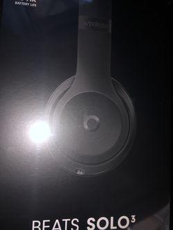 Beats wireless solo 3 for Sale in Huntington Beach,  CA