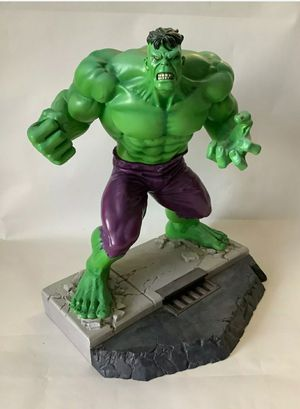 Hard Hero Hulk Statue for Sale in La Habra Heights, CA