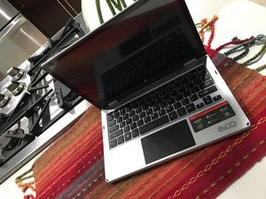 Evoo Chromebook Laptop-Tablet 2 in 1 for Sale in Miami, FL