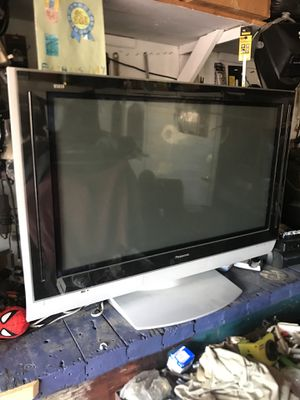 "42"" panasonic tv. $65 HDMI. I was asking $65 but I need them going so I take $40 for Sale in Chino, CA"