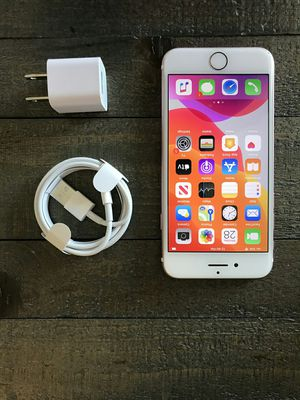 iPhone 7 - 32 GB Rose Gold Factory Unlocked for Sale in Los Angeles, CA