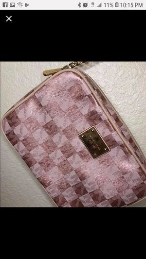 MICHAEL KORS BEAUTIFUL RARE ROSE GOLD CROSSBODY for Sale in Stockton, CA