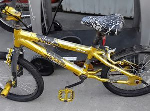 "Avico Ignite gold bmx Bike 20"" light weight alloy freestyle for Sale in Fresno, CA"