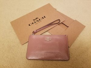 Coach Patent Leather Small Wristlet Wallet Dusty Rose Pink F32014 NEW MSRP$95.00. for Sale in Germantown, MD