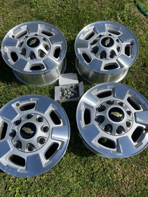 "Chevy 17"" rims for Sale in Woodlawn, TN"