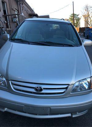 2002 Toyota Sienna for Sale in Aurora, CO