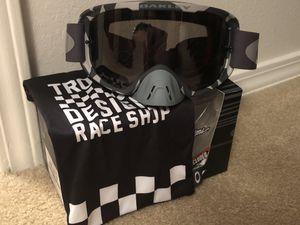 Oakley Troy lee dirt bike goggles for Sale in Fair Oaks, OK