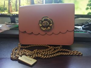 coach bowery crossbody with tea rose turnlock for Sale in Concord, CA