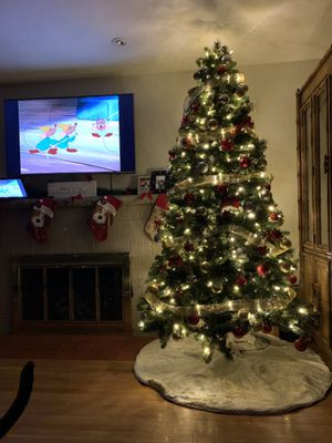 Christmas tree 7.5 ft for Sale in Belleville, IL