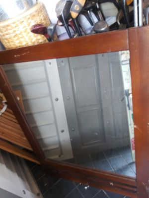 Dresser mirror for Sale in Compton, CA
