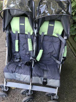 Maclaren double stroller for Sale in Evanston, IL