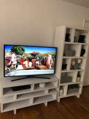 Tv table for Sale in Alexandria, VA